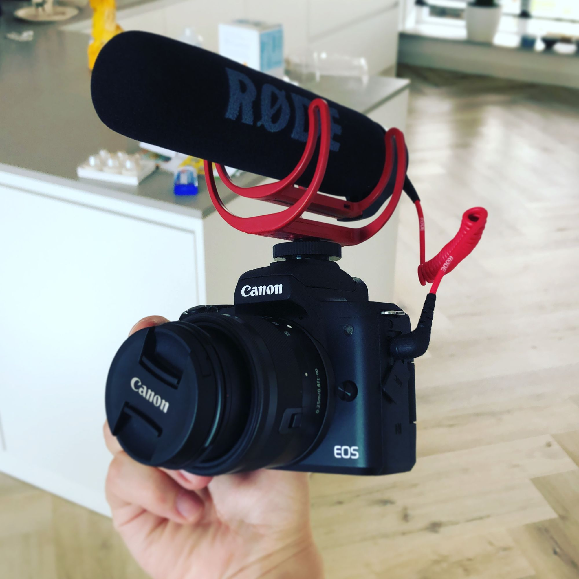 Popping and clicking with the Røde VideoMic GO